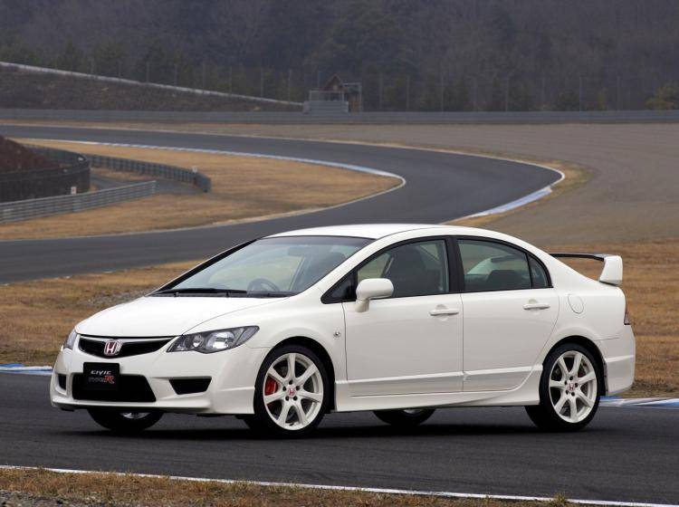 Фото Honda Civic Type R VIII рестайлинг - схожий с Volkswagen Golf VI