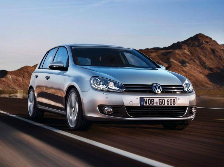 Фото Volkswagen Golf VI - схожий с Honda Insight II рестайлинг